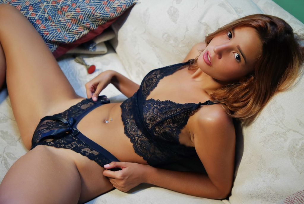 cheap London escorts - tanned girls